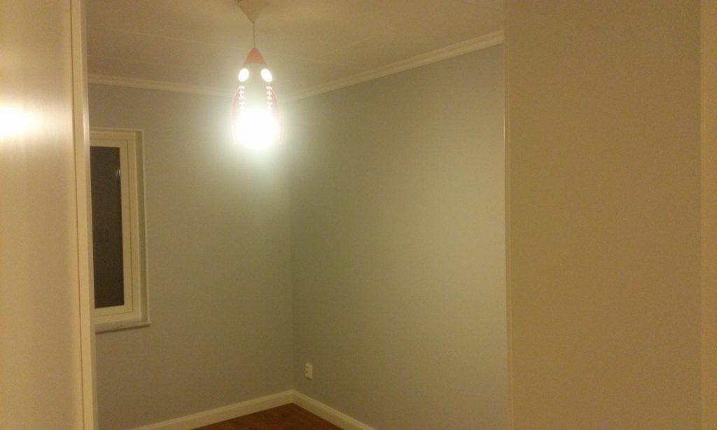 Grabbens rum, med raketlampa